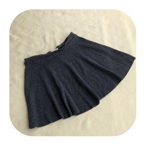 6/$15 H.I.P. Juniors medium grey skirt